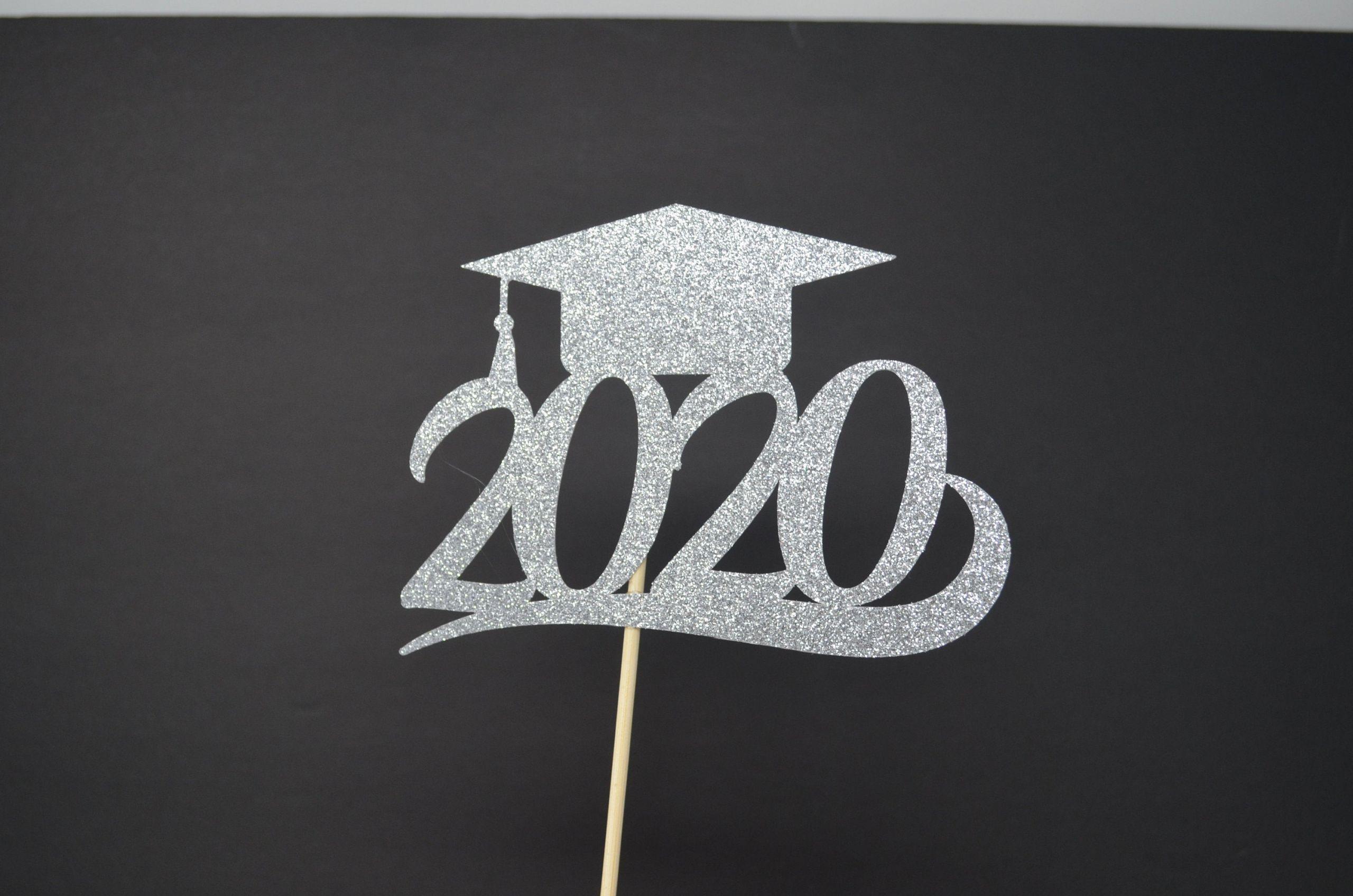 2020 Graduation Party Ideas  Graduation party decorations 2020 graduation table decor