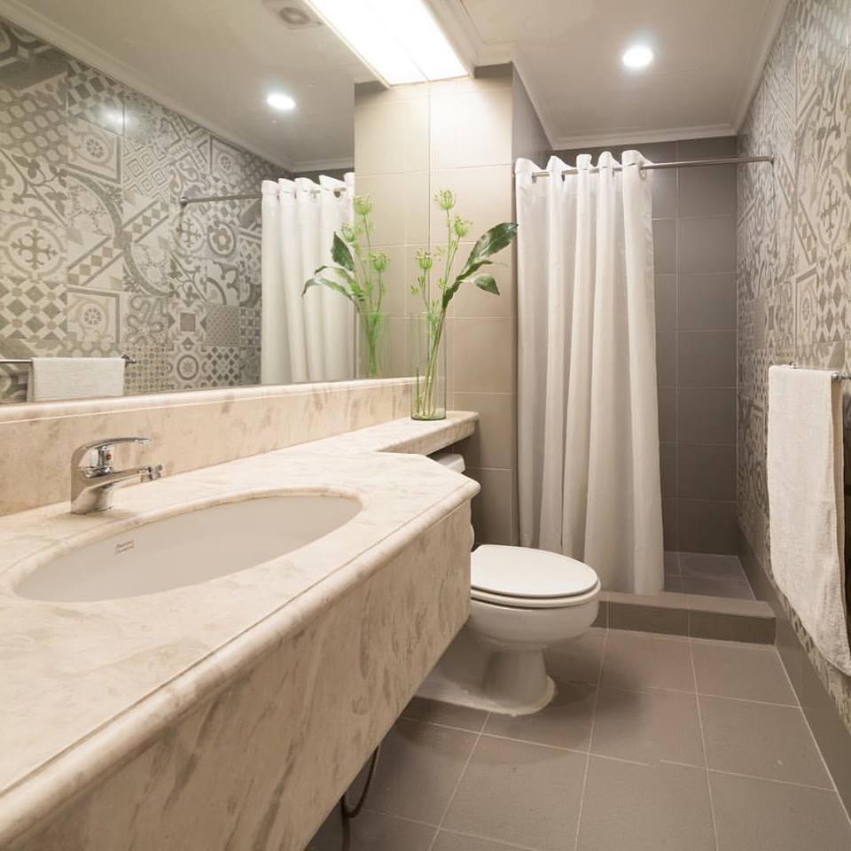 Bathroom Designs Small  20 Luxury Small Bathroom Design Ideas 2017 2018