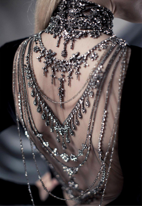 Body Jewelry Over Clothes  The Weekend Wonder Kate Winslet Lela London Travel