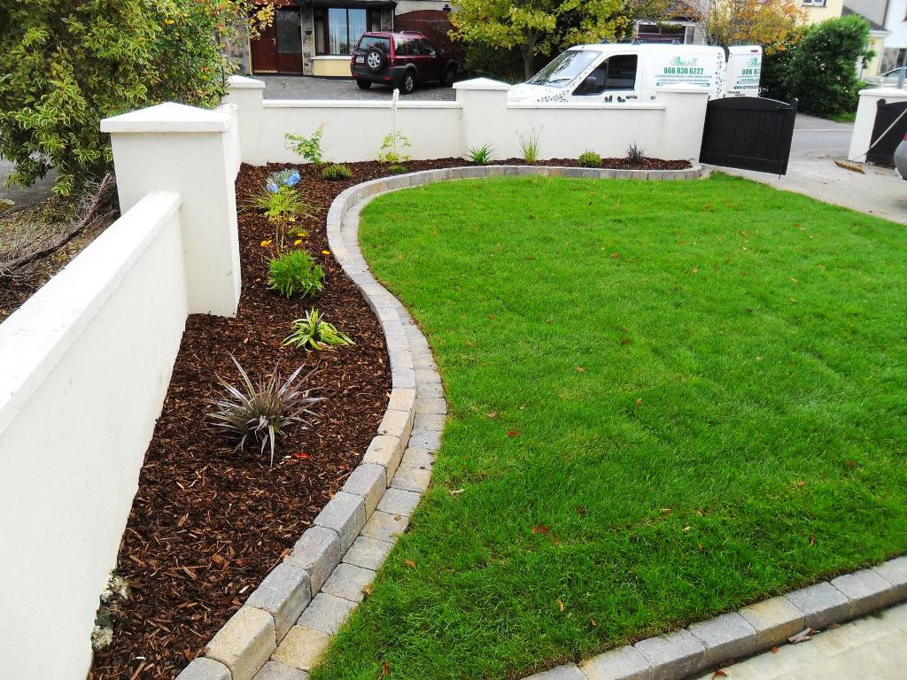 Brick Landscape Edging  Brick Edging Ideas of Lawn and Trees — Thehrtechnologist