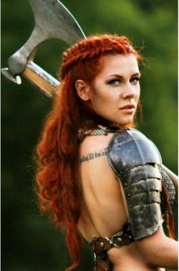 Celtic Hairstyles Female  Bilderesultat for viking woman