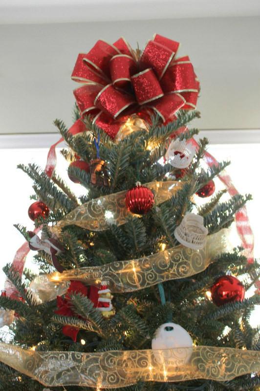 Christmas Bow DIY  Quick DIY Christmas Tree Bow Home Sweet Ruby