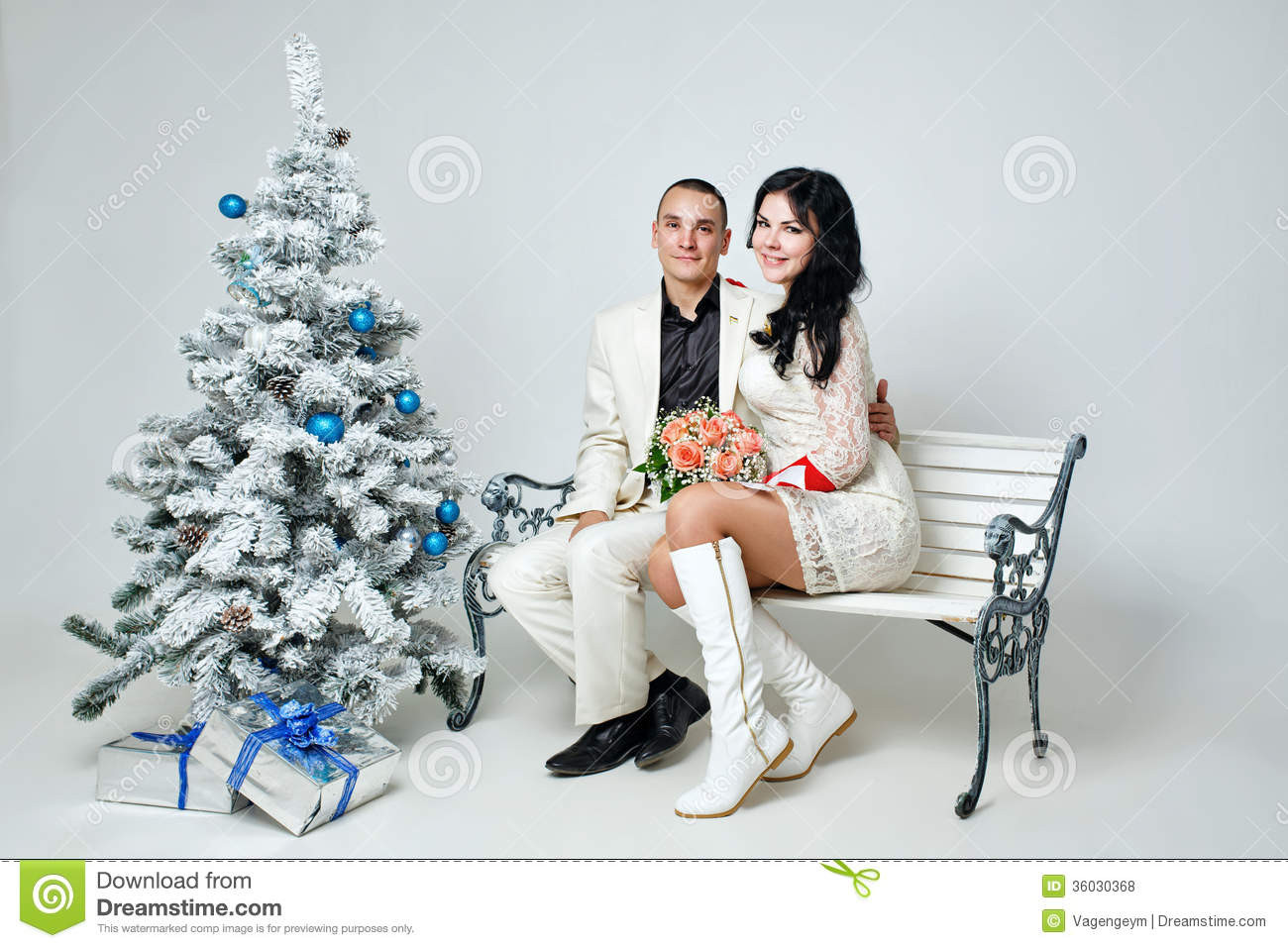 Christmas Gift Ideas For Young Married Couples  Couple And Christmas Royalty Free Stock s Image