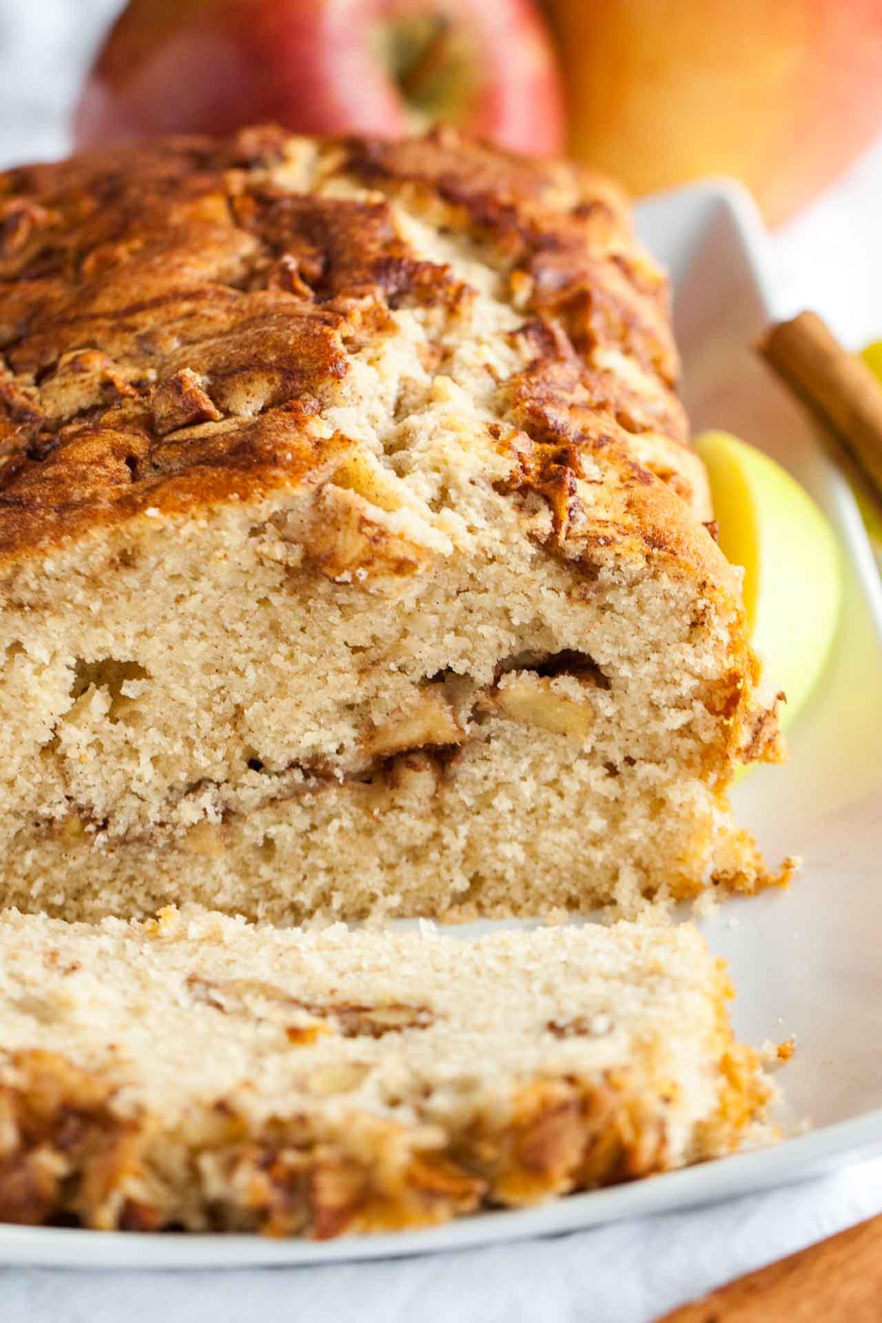 Cinnamon Quick Bread  Apple Cinnamon Bread Recipe An easy fall quick bread recipe