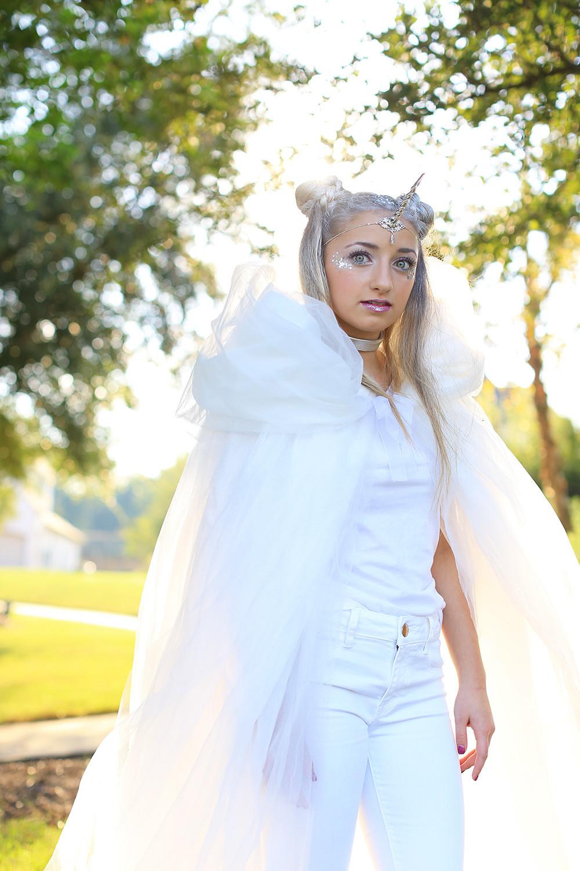 Cute DIY Costumes  Unicorn Half Up DIY Halloween Costume