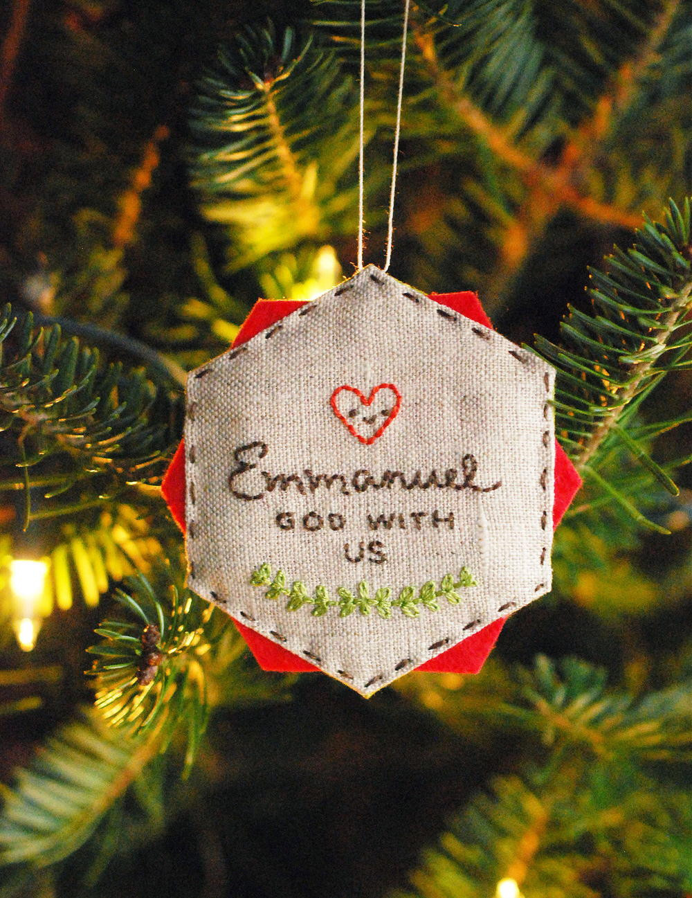 DIY Christmas Ornaments With Pictures  Easy Embroidered DIY Christmas Ornament