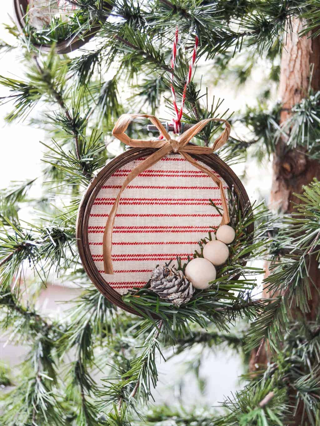 DIY Christmas Ornaments With Pictures  Homemade Christmas Ornaments 90 Options My Creative Days