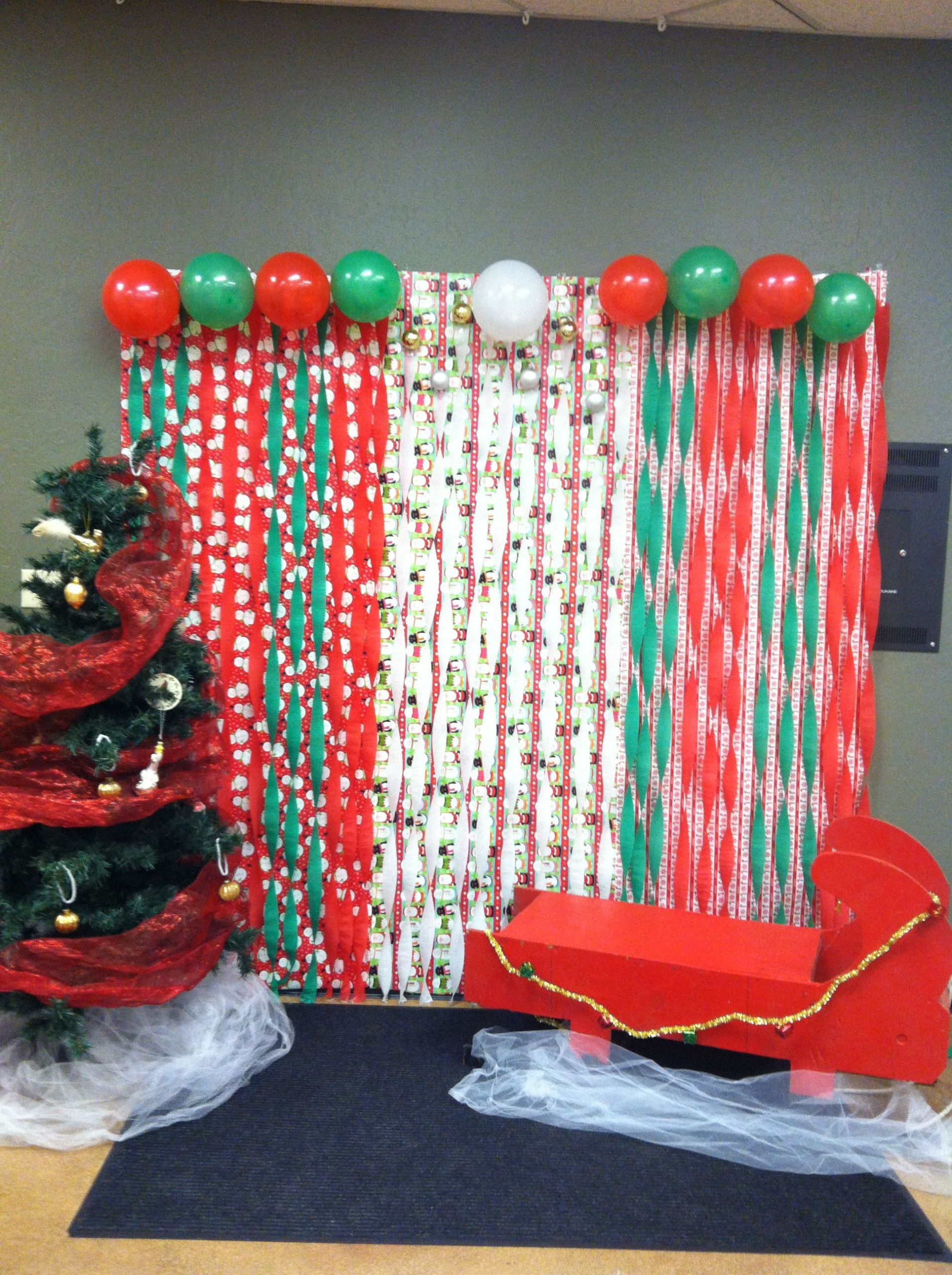 DIY Christmas Photography Backdrop  Amplified s Youth Crazy Christmas photo booth