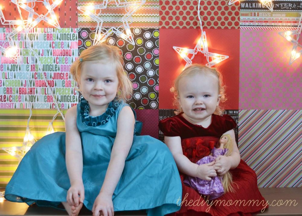 DIY Christmas Photography Backdrop  Make DIY Christmas Backdrops with Scrapbook Paper