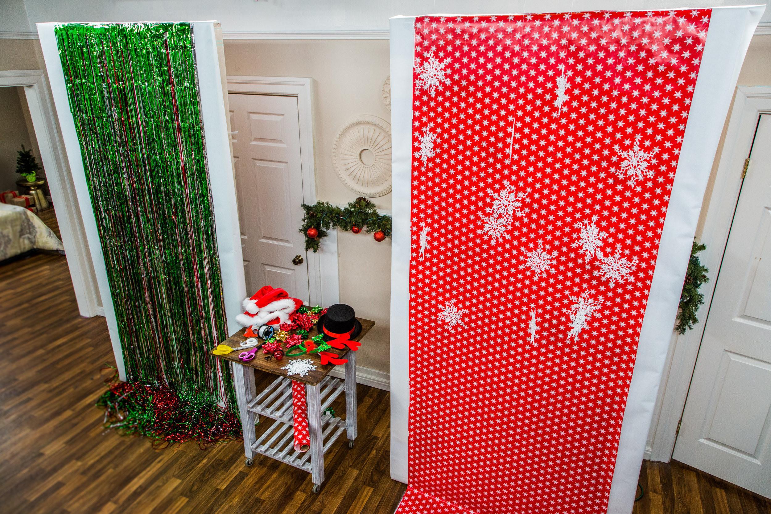 DIY Christmas Photography Backdrop  DIY Holiday Booth Home & Family