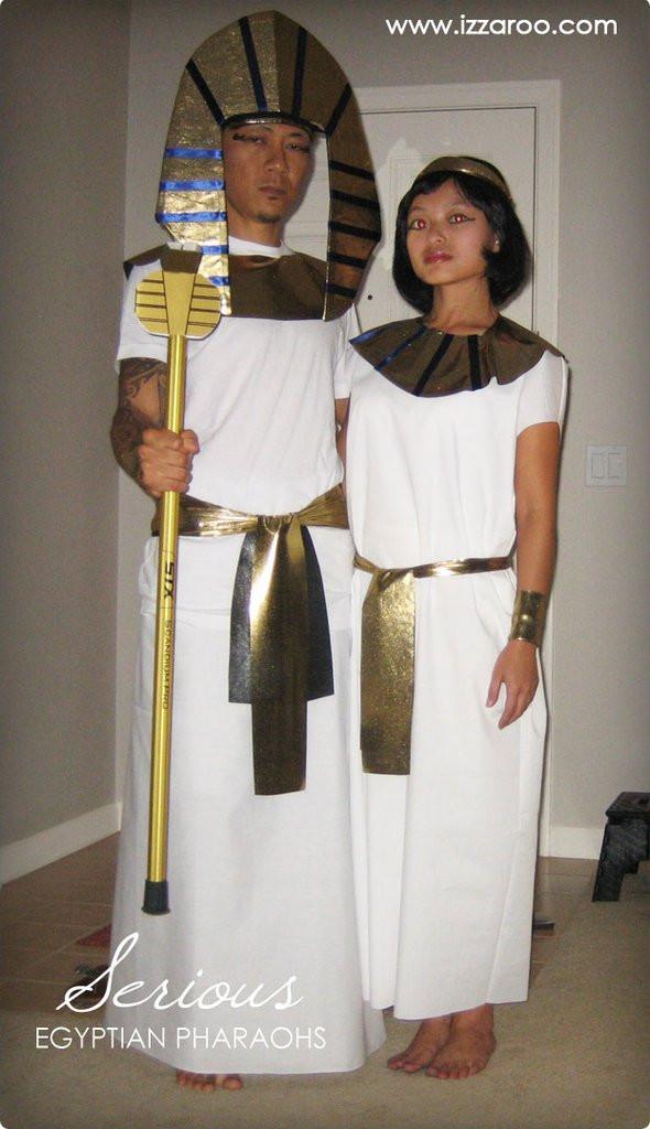 DIY Egyptian Costume  Halloween 2009 DIY Egyptian Pharaohs Themed Halloween