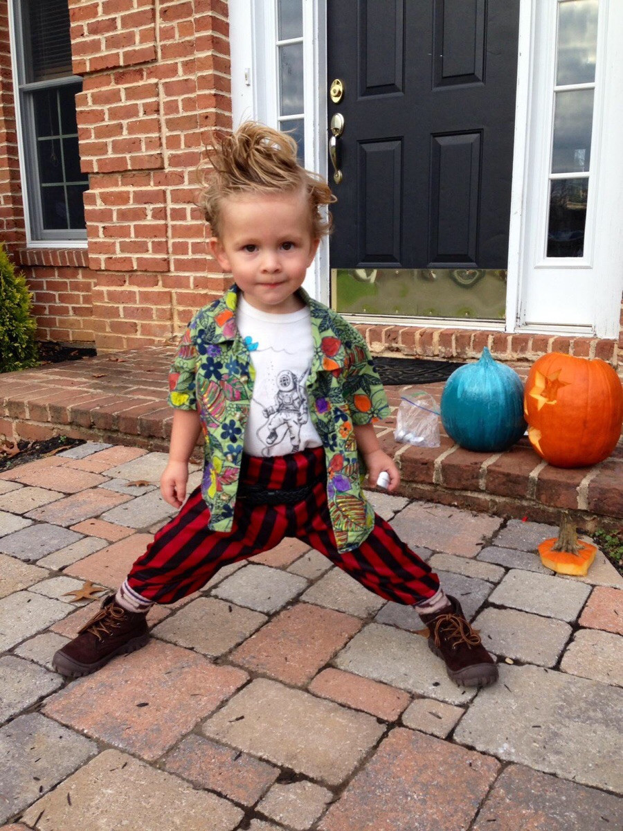 DIY Halloween Costumes  20 pretty hilarious homemade halloween costumes for