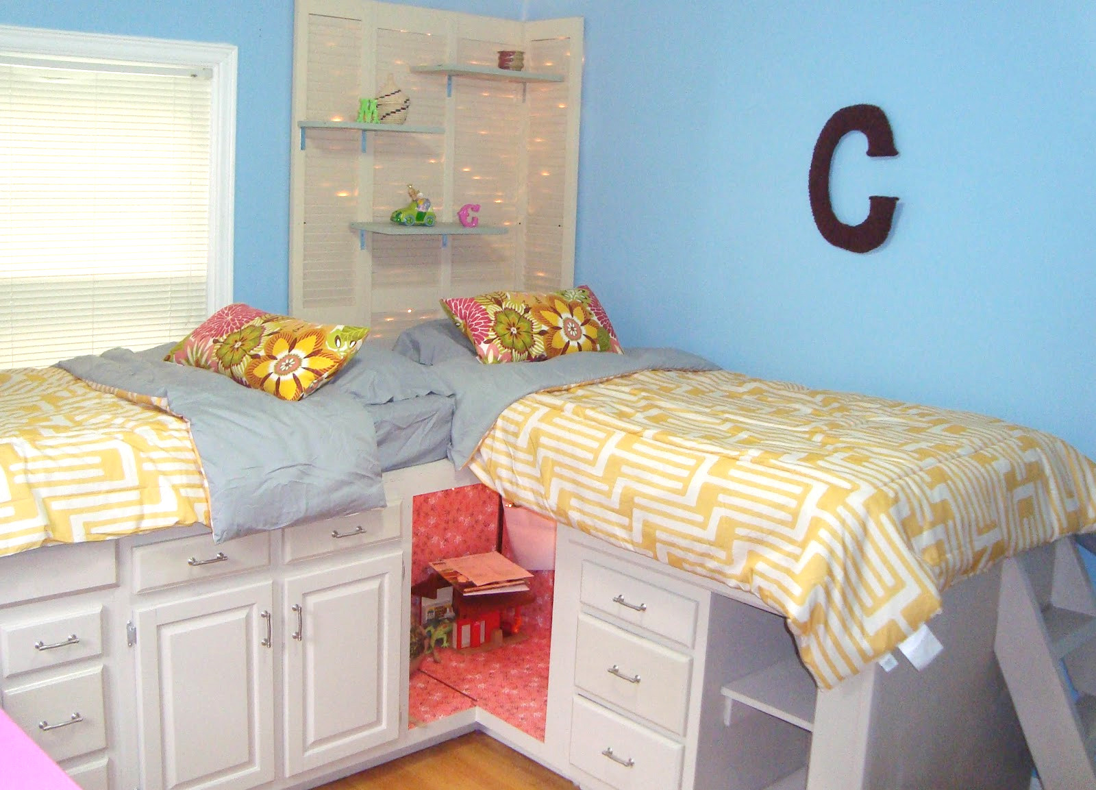 Diy Kids Bed With Storage  8 DIY Storage Beds to Add Extra Space and Organization to