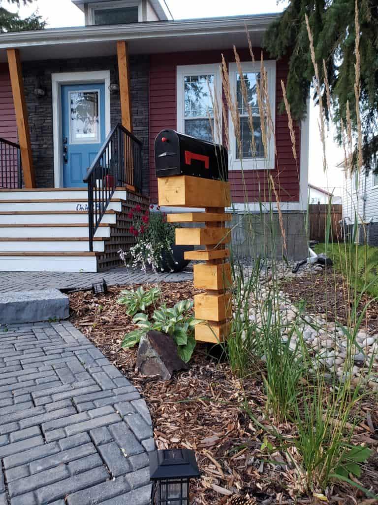 DIY Mailbox Post  DIY mailbox post designs and ideas THE HOMESTUD