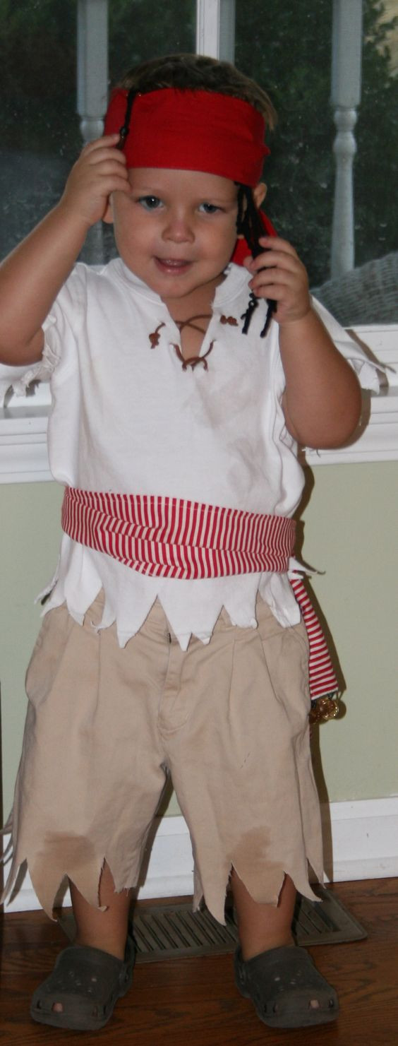 DIY Pirate Costumes For Kids  25 Pirate Costumes and DIY Ideas 2017