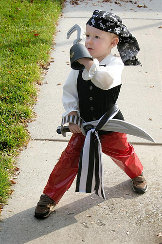 DIY Pirate Costumes For Kids  Itty Bitty Halloween Ideas DIY Pirate Costumes For Kids