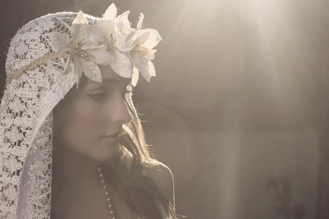 DIY Wedding Headpieces  A Bohemian Bridal Shoot With A Beautiful DIY Veil