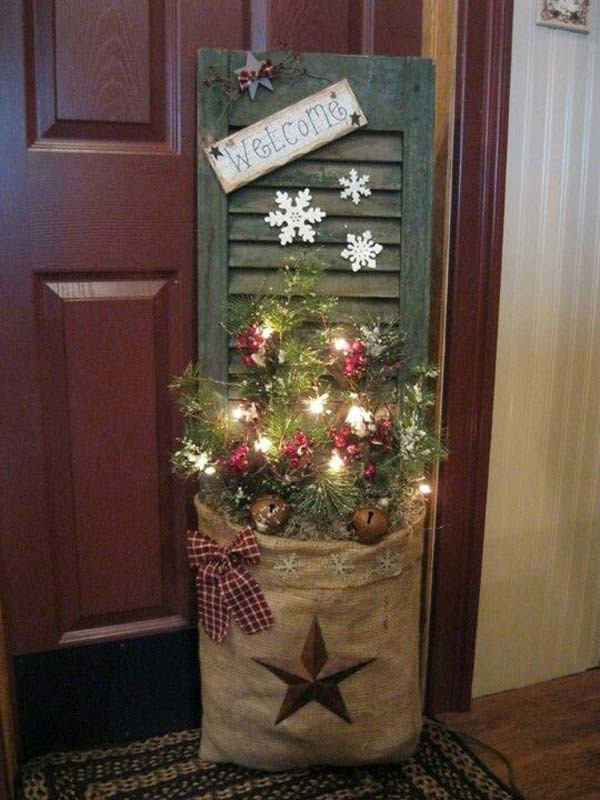 DIY Wooden Christmas Decorations  28 Ideas To Decorate Your Home With Recycled Wood This