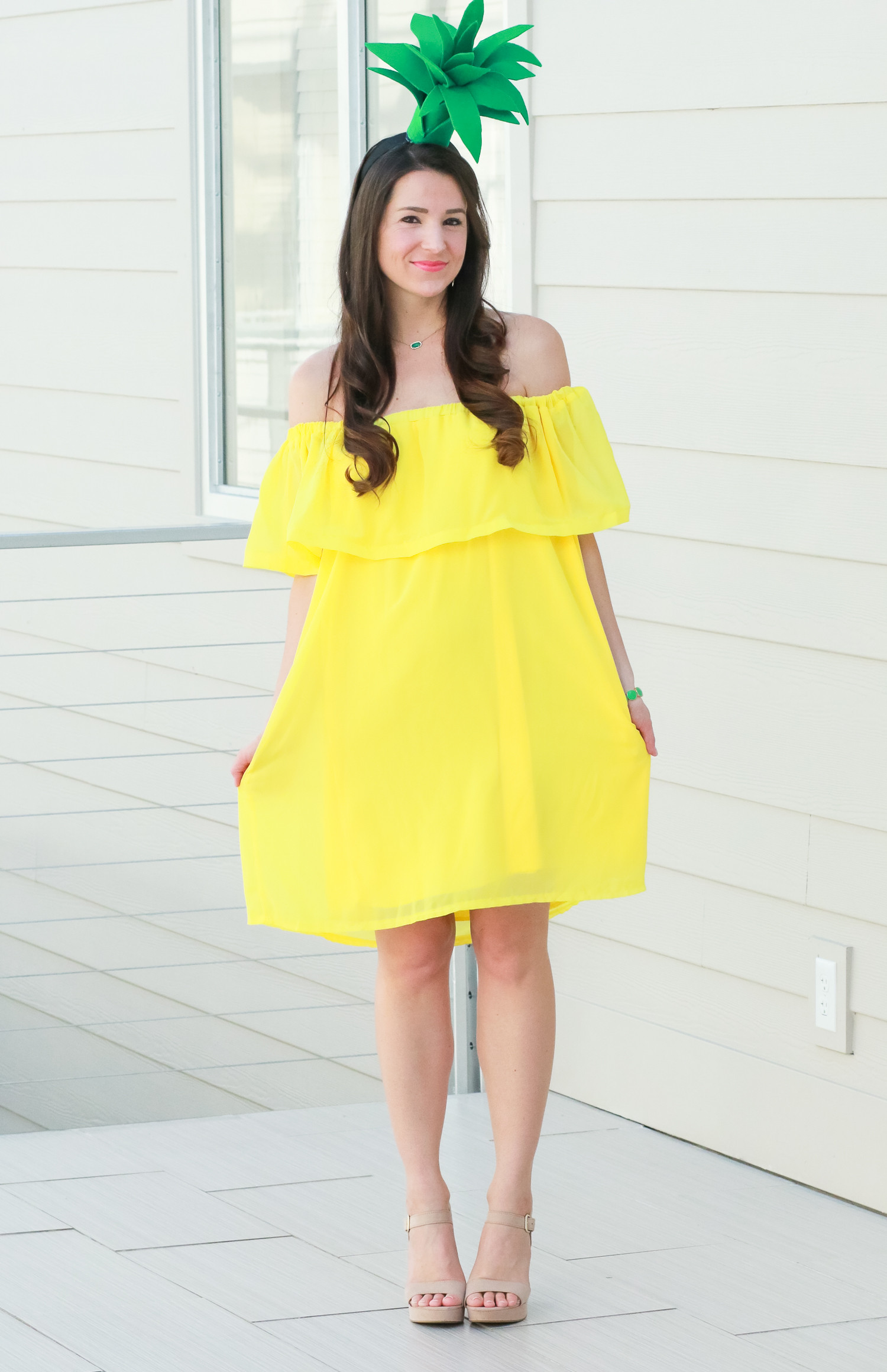 Easy DIY Halloween Costumes For Adults  DIY Pineapple Costume That Costs Less Than $3 to Make