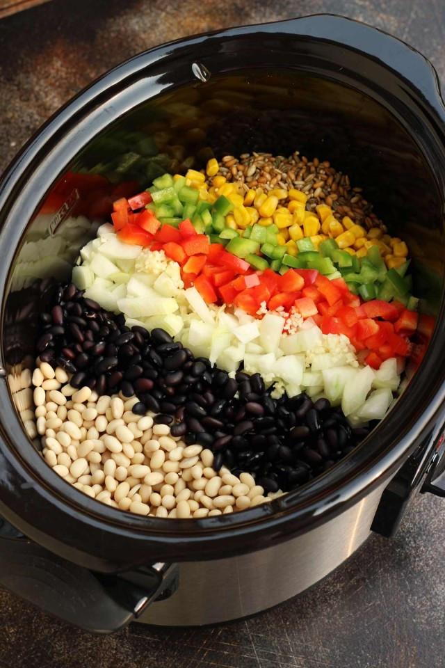 Easy Vegan Crockpot Recipes  The Best Slow Cooker Vegan Chili • Happy Kitchen