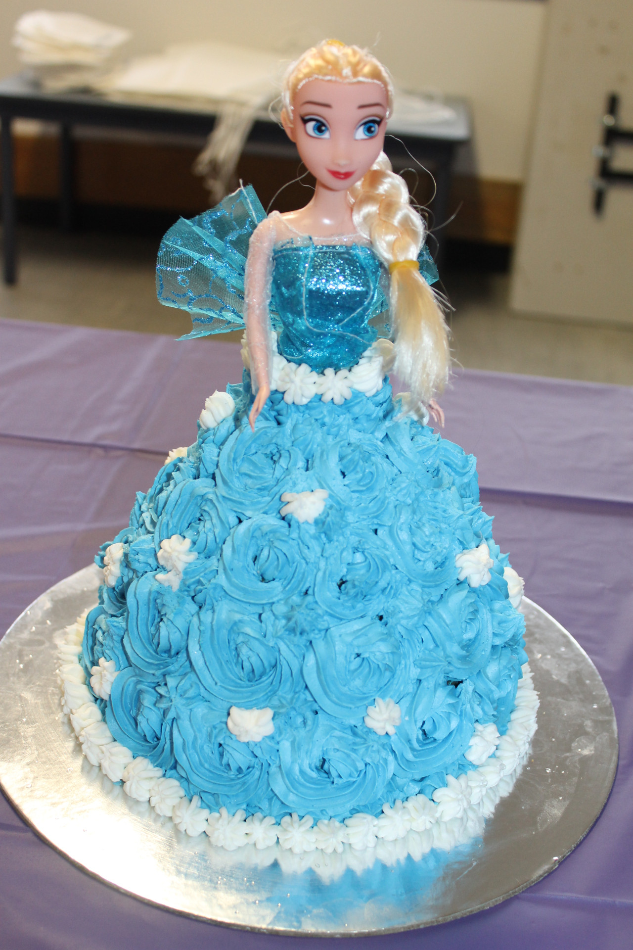 Frozen Birthday Cake Ideas  Frozen Cake – Elsa & Anna