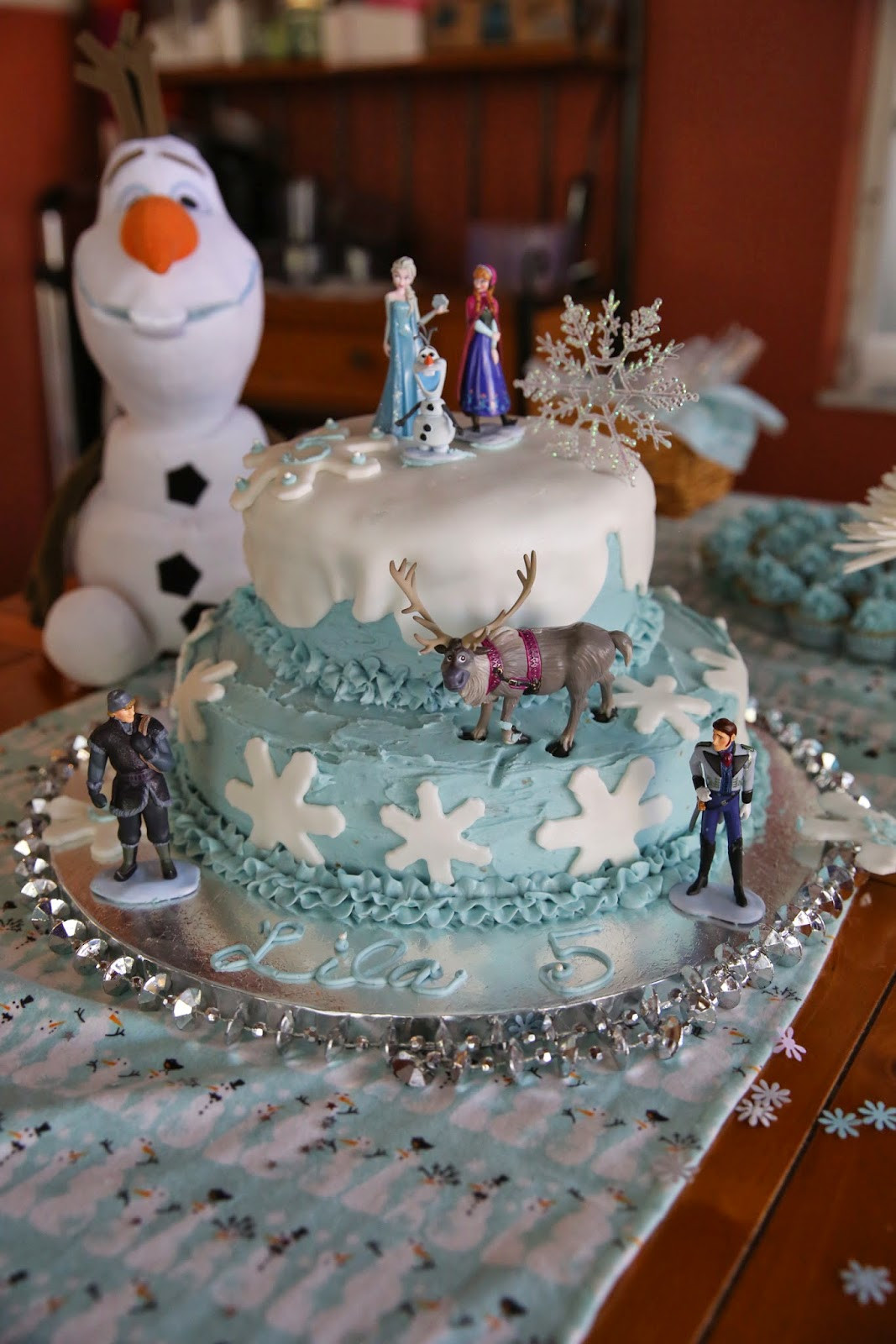 Frozen Birthday Cake Ideas  Frozen Fractals All Around Must Haves for a Frozen