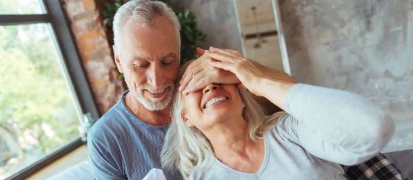 Gift Ideas For Older Couple Getting Married  What Should You Give as Wedding Presents to Older Couples
