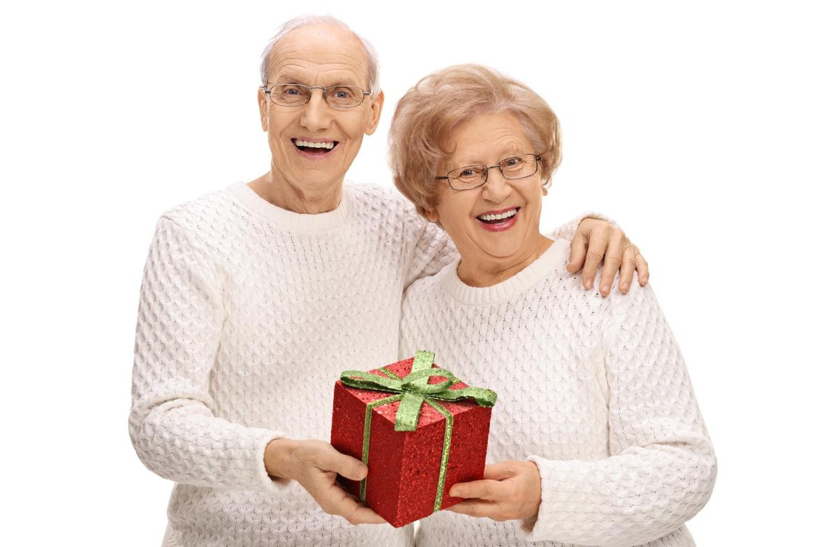 Gift Ideas For Older Couple Getting Married  15 Amazingly Thoughtful Wedding Gift Ideas for Older