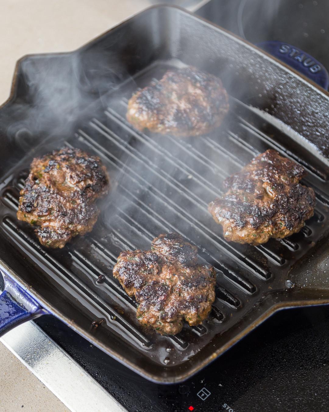 Gourmet Elk Burger Recipes  Whole30 Elk Burger Caramelized ions Dijonnaise Paleo