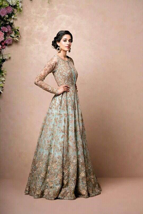 Indian Wedding Gown  16 Indian Wedding Gowns For Trending Bridal Wear