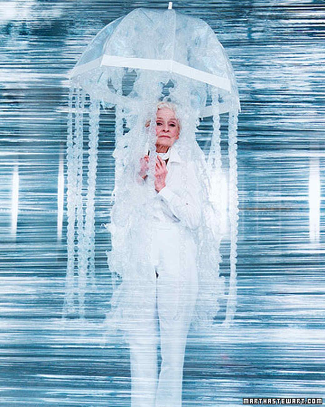 Jellyfish Costume DIY  No Sew Costume Bubble Wrap Jellyfish