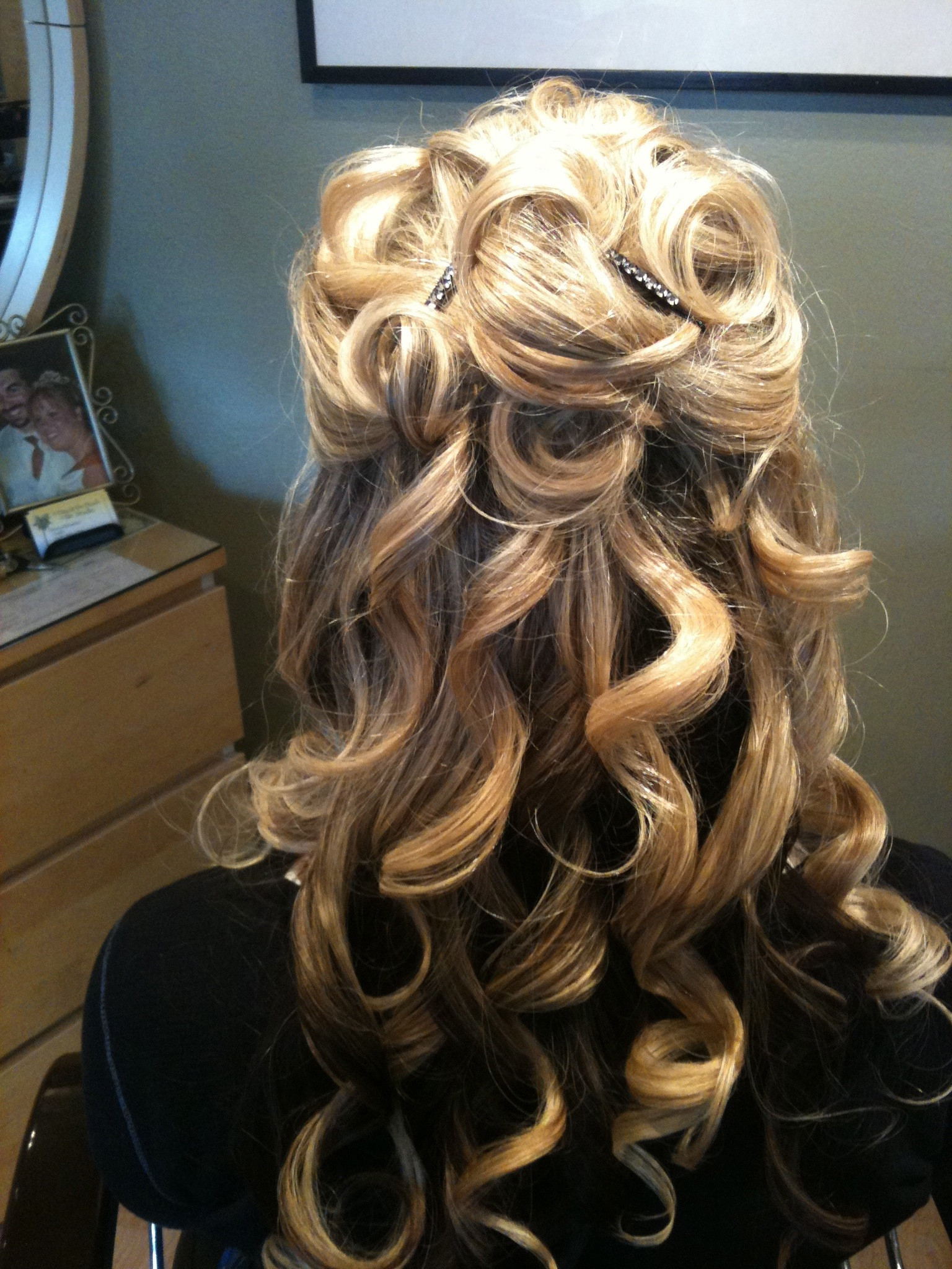 Long Hairstyles Updos  20 Easy Updo Hairstyles for Long Hair MagMent
