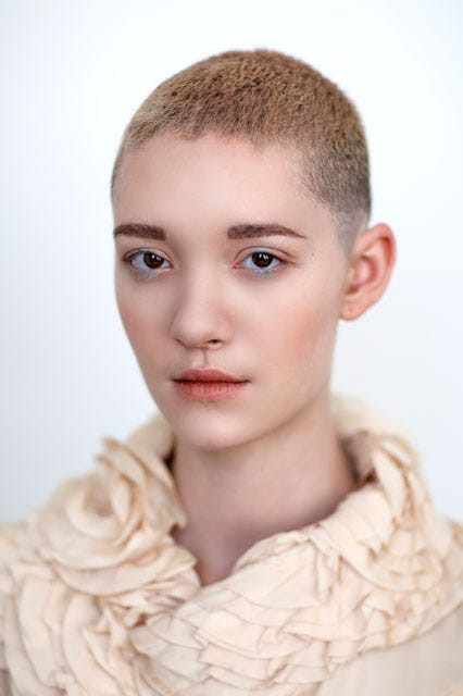Male To Female Hairstyles  Mens Haircuts For Women Gender Neutral Hair