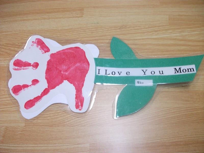 Mother Day Craft Ideas For Preschoolers  Preschool Crafts for Kids Handprint Flower Mother s Day