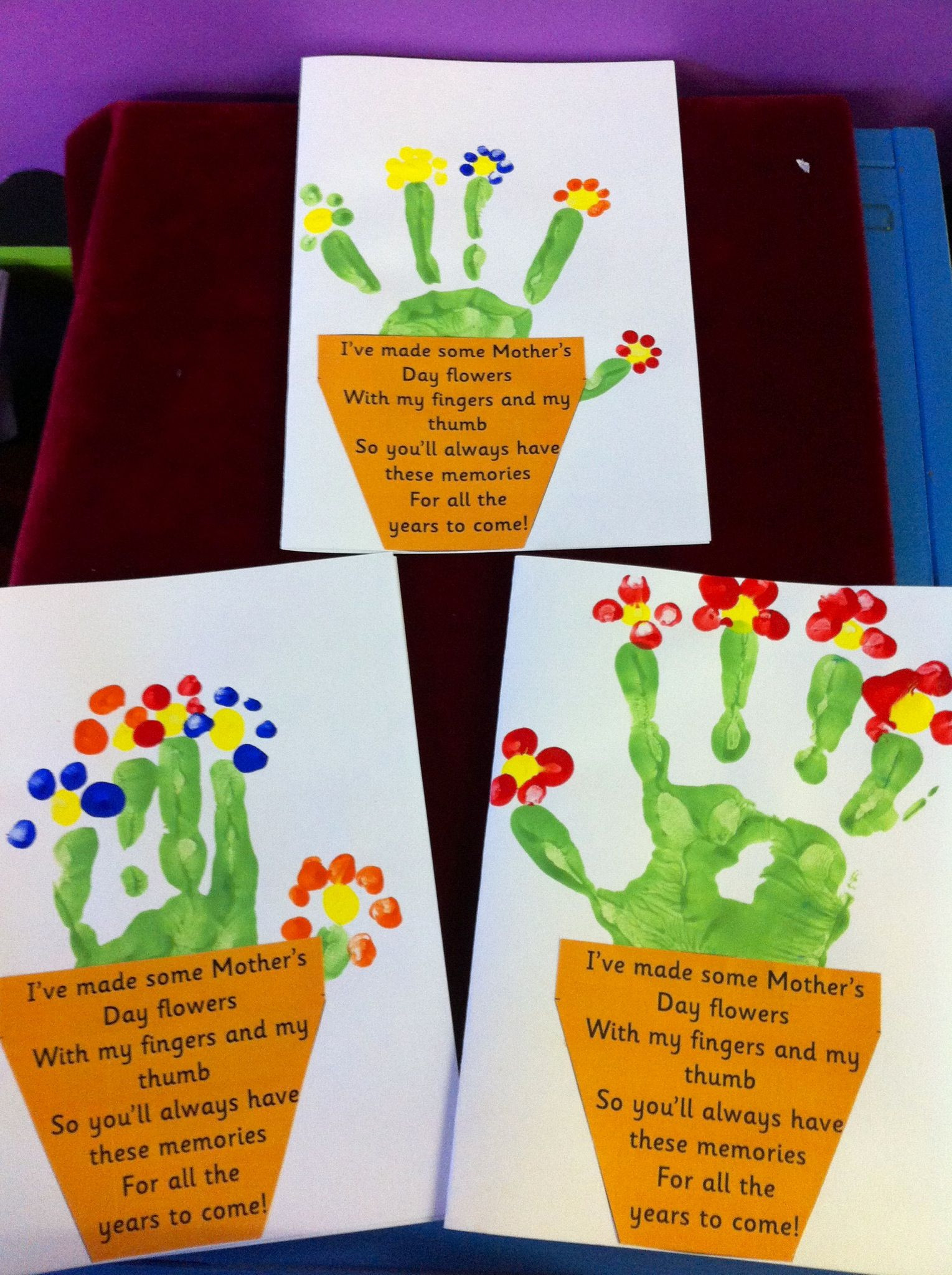Mother Day Craft Ideas For Preschoolers  Mother s Day cards Children s handprint in green to make