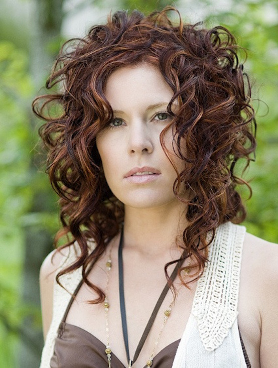 Naturally Curly Hair Hairstyles  21 Natural Curly Hairstyles Stylish Girls Are Rocking