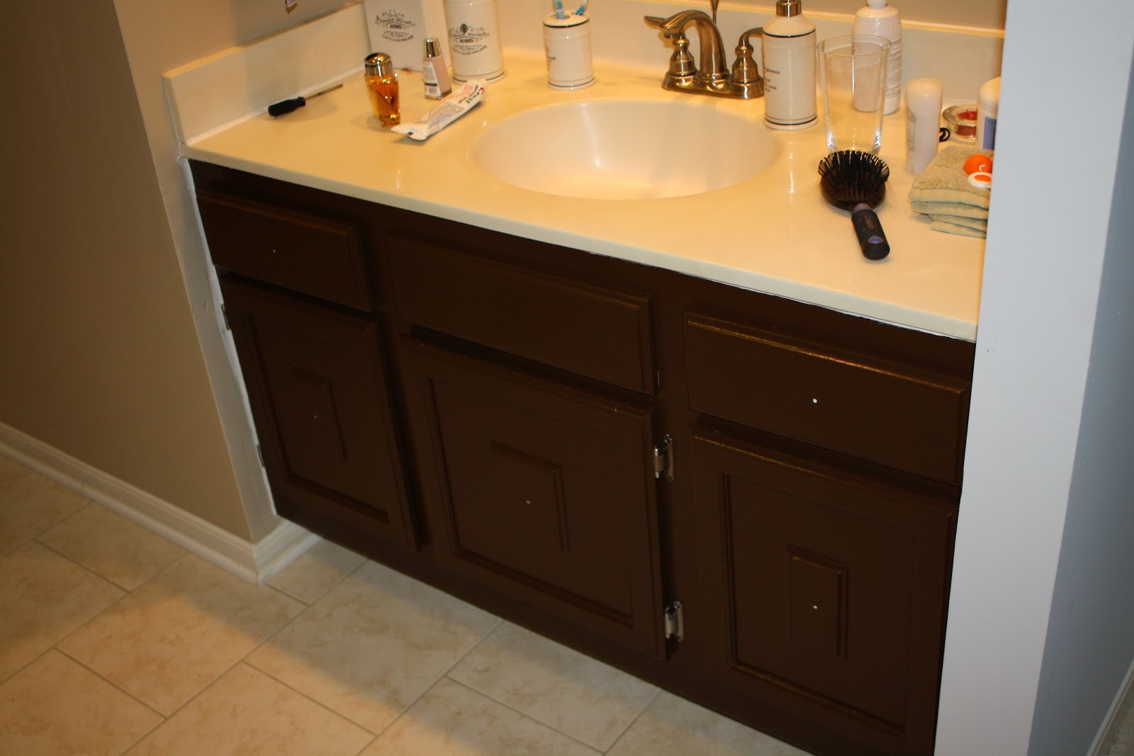 Painting Bathroom Cabinets  paint bathroom cabinets 2017 Grasscloth Wallpaper
