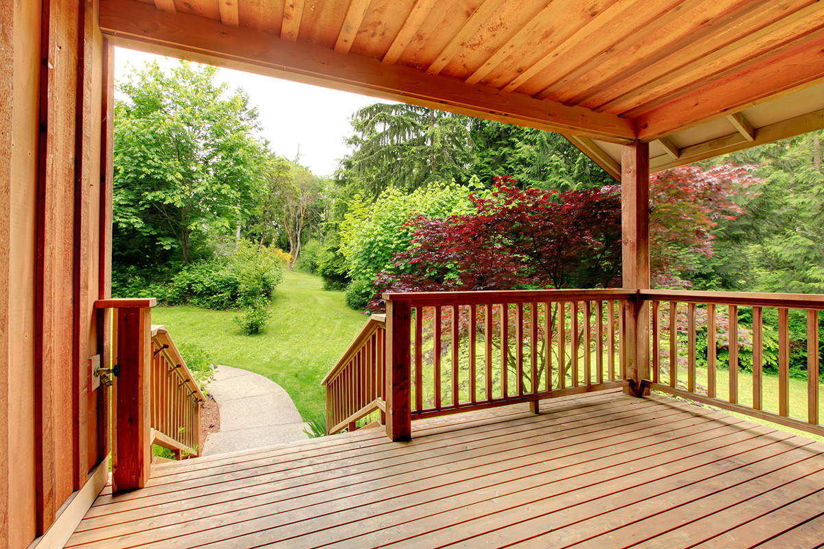 Painting Your Deck  Best Deck Paint for Restore Your Old Wood Deck Buungi