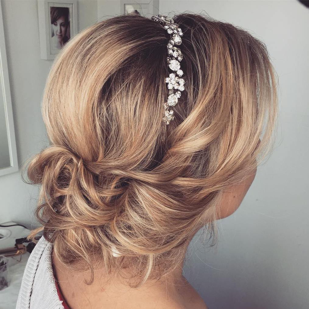 Pictures Of Wedding Hairstyles For Medium Length Hair  Top 20 Wedding Hairstyles for Medium Hair