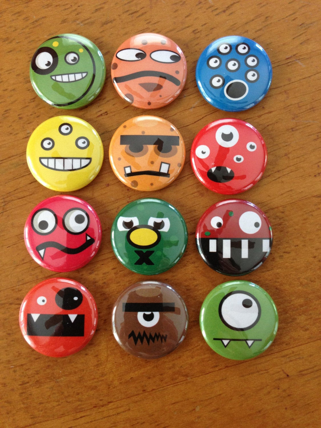 Pins Boton  Cute Monster Buttons – 1 Inch Pinback Button Set of 12