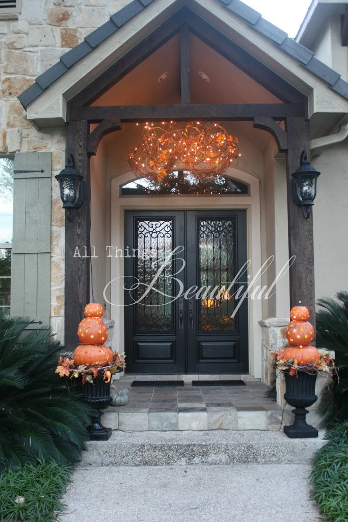 Porch Decorated For Halloween  14 Fall and Halloween Porch Decor Ideas Embellishmints