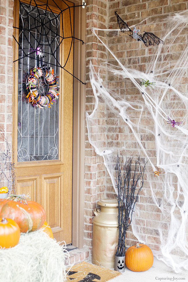 Porch Decorated For Halloween  Halloween Decorations Ideas to Decorate Your Porch for