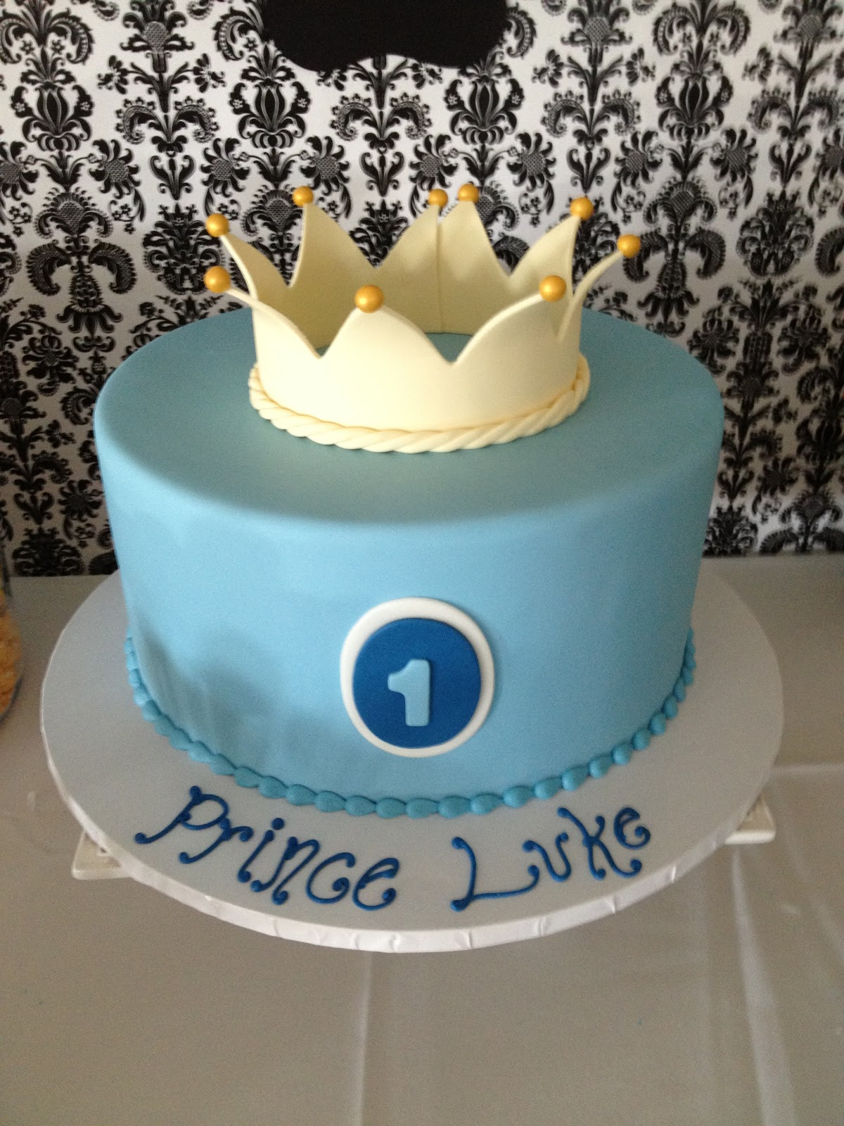Prince Birthday Cake  B Liss Is In the Details Prince Luke s Royal 1st Birthday