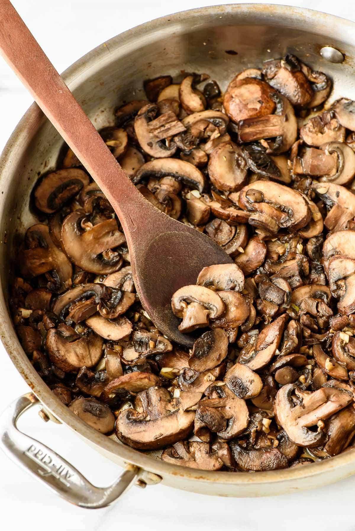 Quinoa Mushroom Recipe  Skillet Mushroom Chicken and Quinoa 30 Minutes