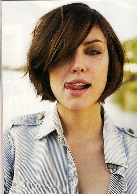 Round Face Short Haircuts  30 Best Short Hairstyles for Round Faces