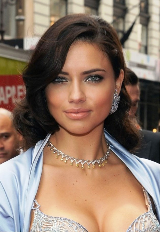 Side Part Hairstyles For Medium Length Hair  The Best Medium Length Hairstyles for Round Faces Women