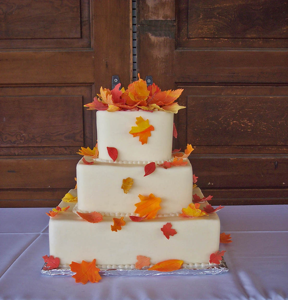 Simple Fall Wedding Cakes  GAME Build a fall themed wedding NWR Chit Chat