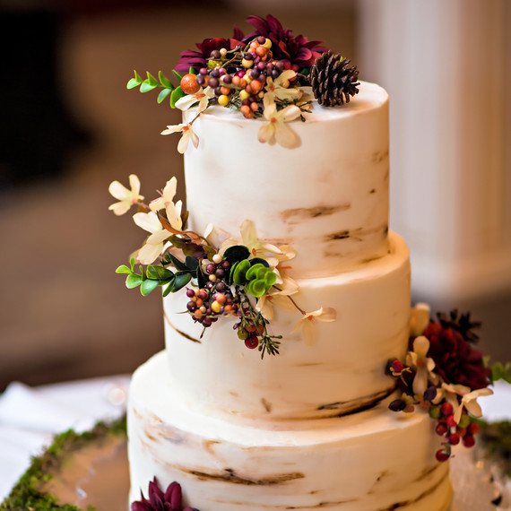 Simple Fall Wedding Cakes  Unique Flavor binations for Your Fall Wedding Cake