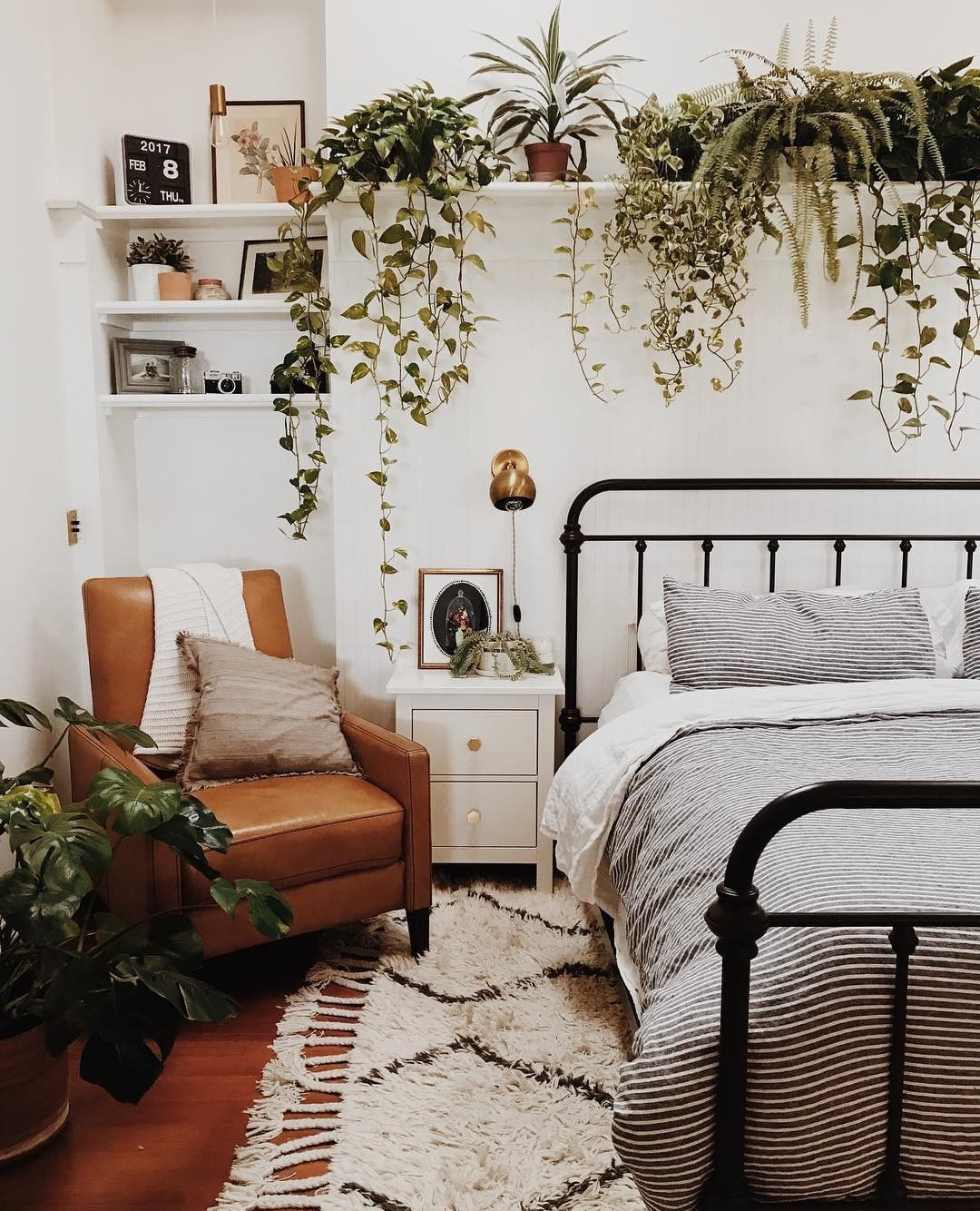 Small Bedroom Plants  Plant life plants in bedroom home decor cute bedrooms
