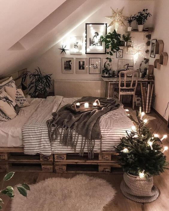 Small Bedroom Plants  25 Small Bedroom Ideas That Are Look Stylishly & Space Saving